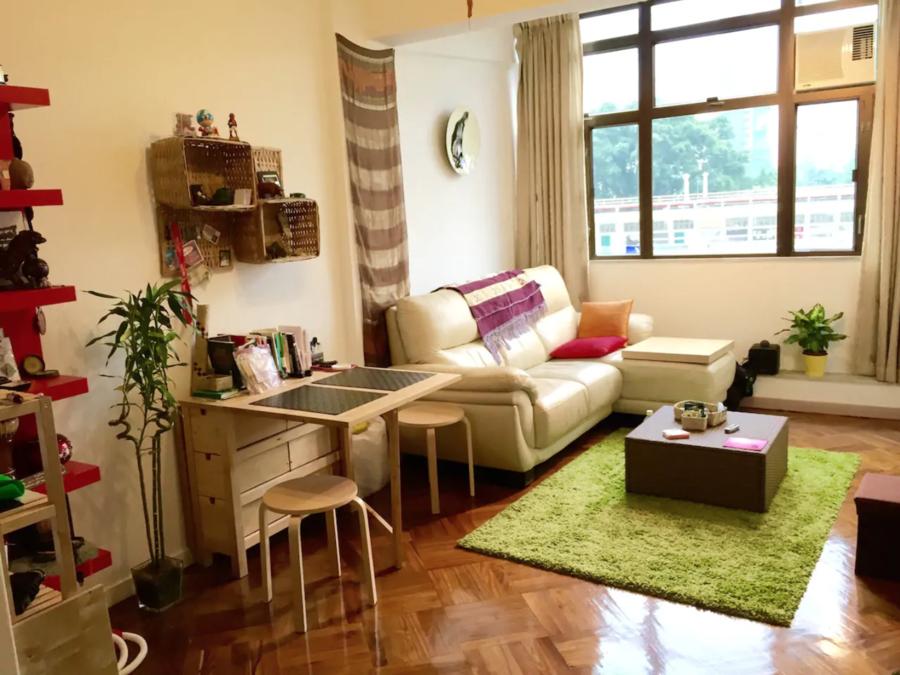 SuperHosts-Private-Bedroom-on-HK-Island-TinHau