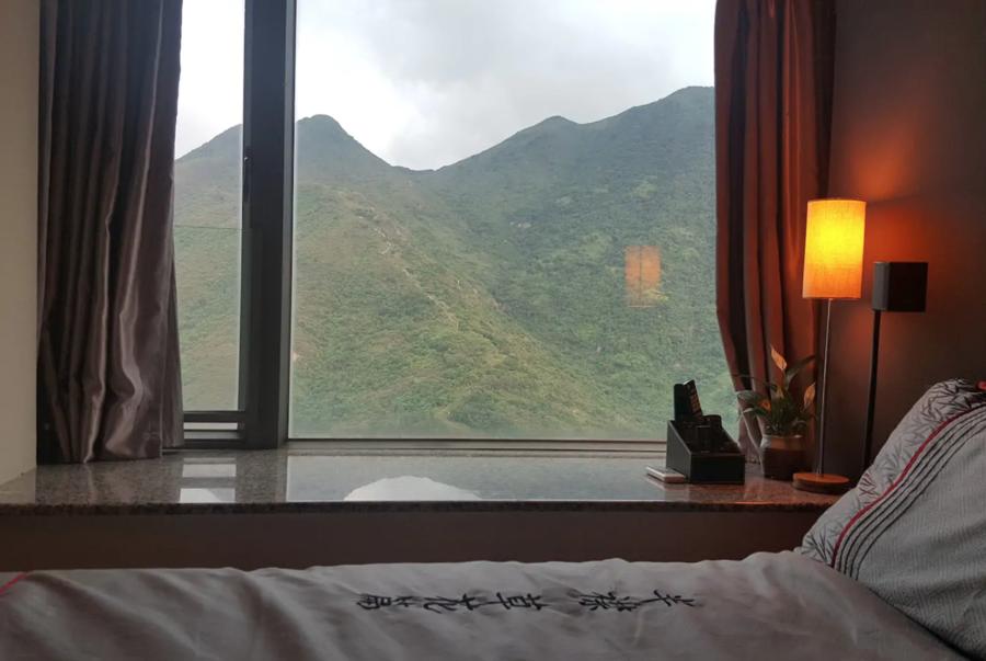 Lantau-Mountain-Range-Outlook