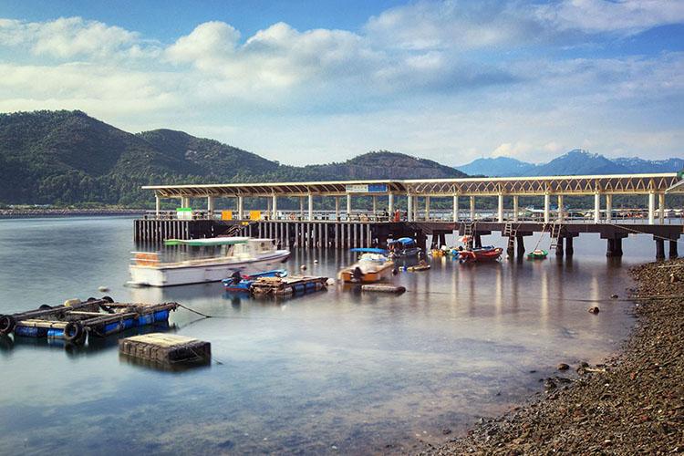 大都会からわずか30分のリゾート!香港のラマ島で日帰りツアーを